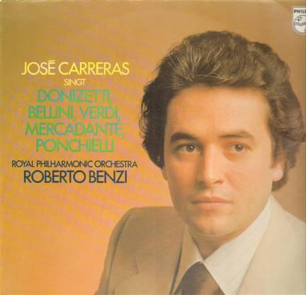 Bald nach dem Debüt 1970 in Barcelona wird José Carreras zum weltweit umschwärmten Tenor. Er spielte viele LP-Rezitals und Opern ein und wurde ein Lieblingssänger Herbert von Karajans.