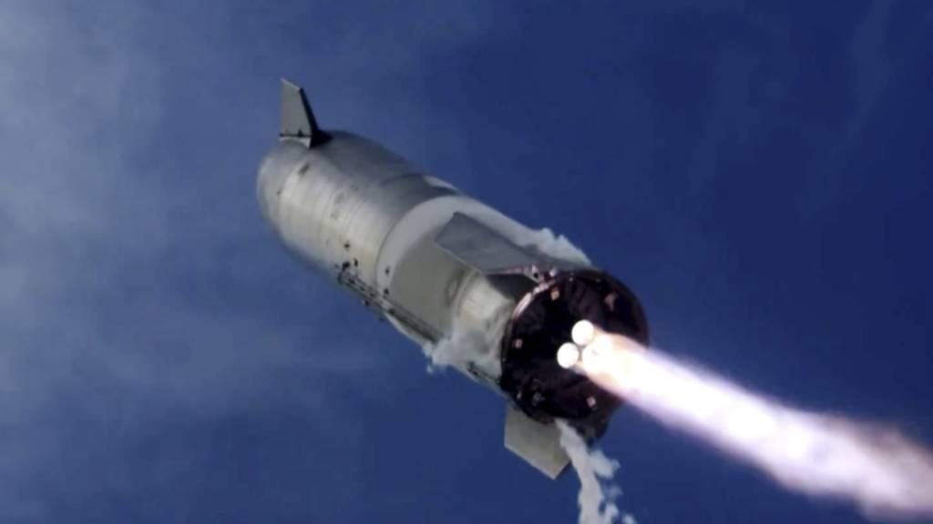 SpaceX-Rakete bei Test erstmals gelandet – und dann explodiert