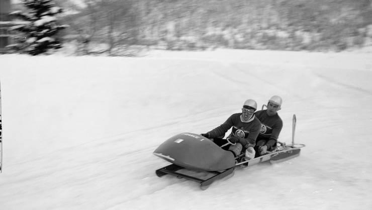 Ein Archivbild von Olympia 1948 in St. Moritz mit dem damaligen Zweierbob-Team Frankreich I