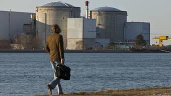 Das AKW Fessenheim im Dreiländereck ist umstritten. Atomgegner fordern seit Jahren, das Kraftwerk vom Netz zu nehmen. (Archiv)