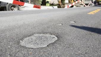 In Laufenburg wird der Strassenbelag der Kantonsstrasse erneuert. (Symbolbild).