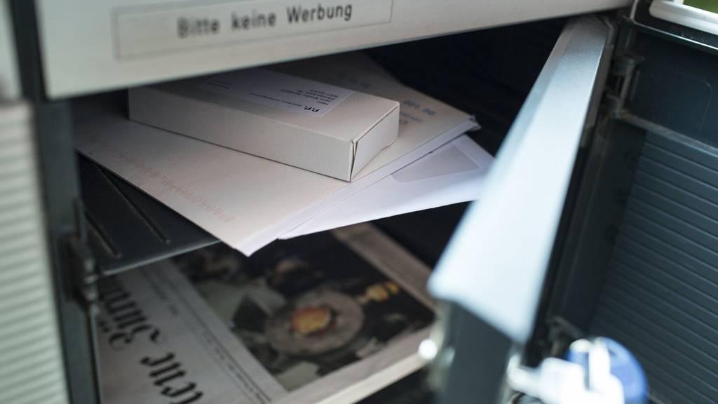 Die Post stellt jeden Tag rund 500'000 Pakete zu. (Symbolbild)