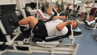 Schwitzen für die Gesundheit - zu welchem Preis? Nicht alle Fitnessstudios geben die Preise korrekt an.