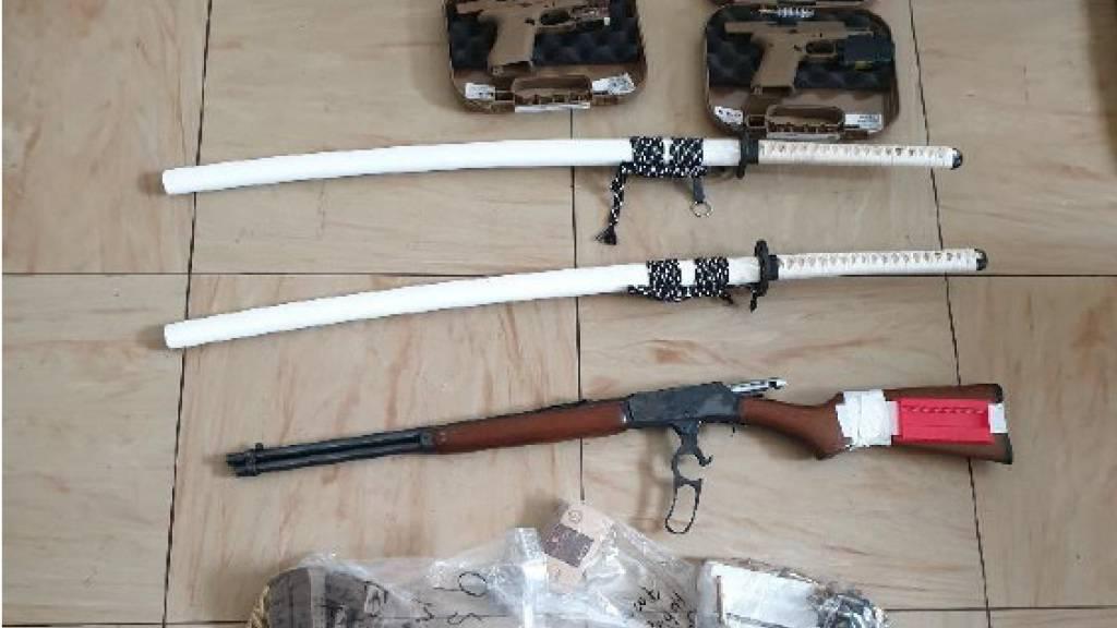 Razzia bei bewaffneten Gegnern der Corona-Massnahmen
