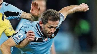 Glänzt mit seiner Laufstärke: Lazio-Dauerbrenner Senad Lulic (rechts).