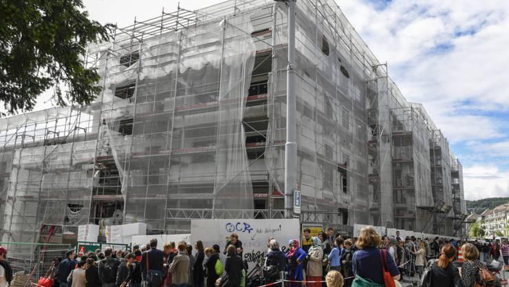Im Kampf um eine bezahlbare Stadtwohnung würden Schweizer Mieter aussergewöhnliche Massnahmen ergreifen. (Symbolbild)