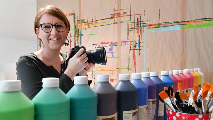 In Raffaella Studers Fotostudio treffen Fotografie und Malerei aufeinander.