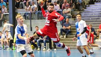 TVE-Spieler Leonard Pejkovic im Abschluss gegen GC Amicitia.