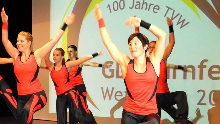 Mit einer kleinen Turnshow wird bei der Bevölkerung die Vorfreude auf den Grossanlass im Sommer 2015 geweckt.