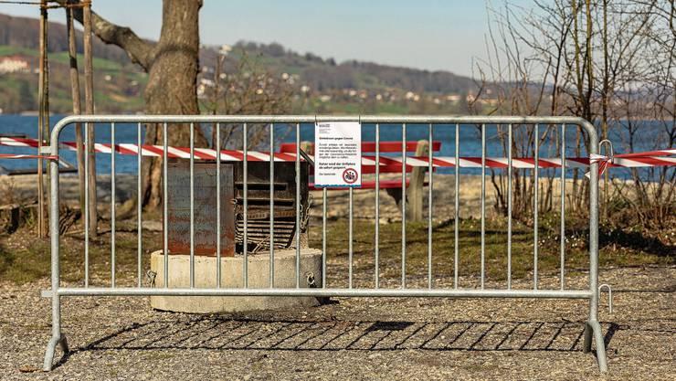 Die meisten Rastplätze und Badestellen (das Wasser ist noch 7 Grad kalt) rund um den Hallwilersee sind gesperrt.