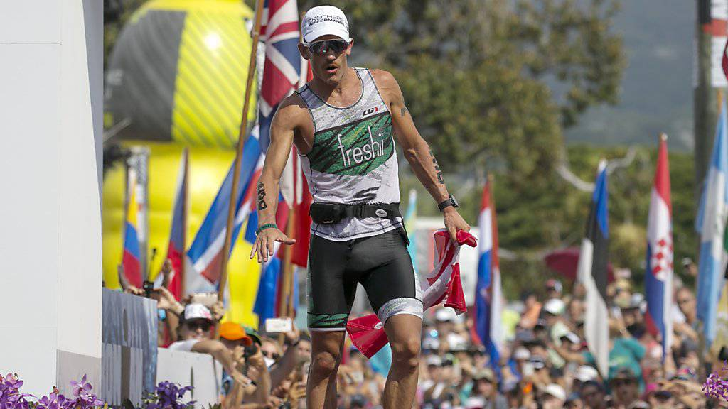 Der letztjährige Ironman-WM-Zweite Lionel Sanders aus Kanada (im Bild) wurde schon so oft angefahren, dass er nur noch auf der Rolle seine Radeinheiten absolviert