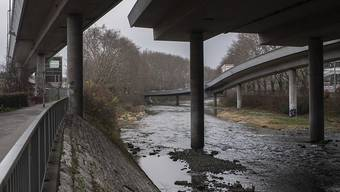 Wenn die Sihl Extremhochwasser führt, könnte es in der Stadt Zürich zu grossen Überschwemmungen kommen. (Symbolbild)