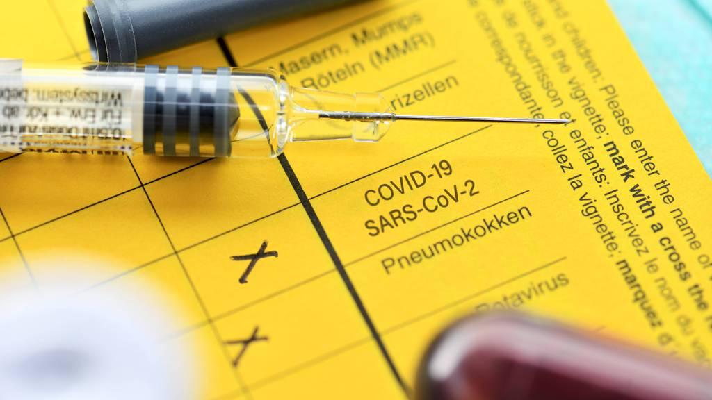 Jetzt wird geimpft, doch welche Nebenwirkungen gibt es? Die wichtigsten Fragen und Antworten