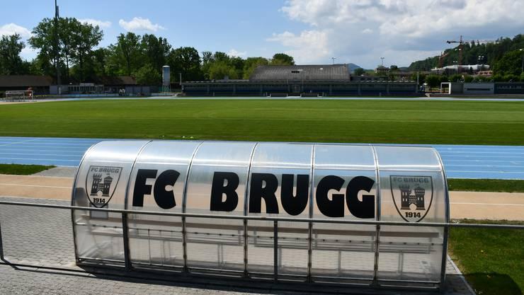 Blick ins Fussballstadion: Derzeit trainiert der FC Brugg auf Naturrasenplätzen.