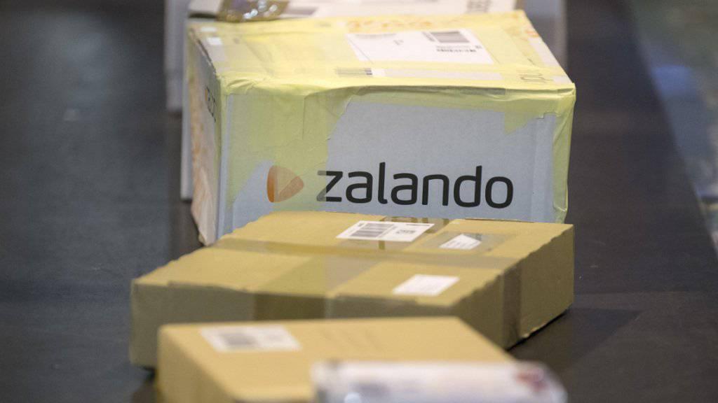 Der beschuldigte Kurier soll 1000 Retouren-Pakete an Zalando geöffnet und geplündert haben. (Archiv)