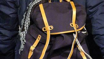 bbd13b35aabac Der 31-jährige Rucksack-Dieb wurde vorläufig festgenommen. (Symbolbild)