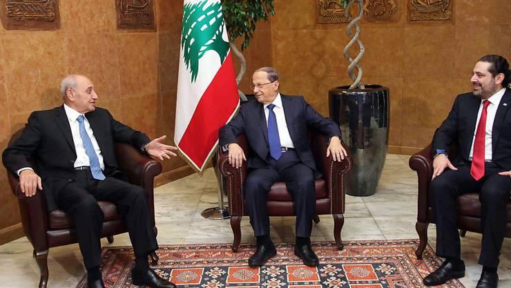 Regierung im Libanon vereidigt: Präsident Michel Aoun (Mitte) trifft Parlamentssprecher Nabih Berri (links) und Premier Saad Hariri.