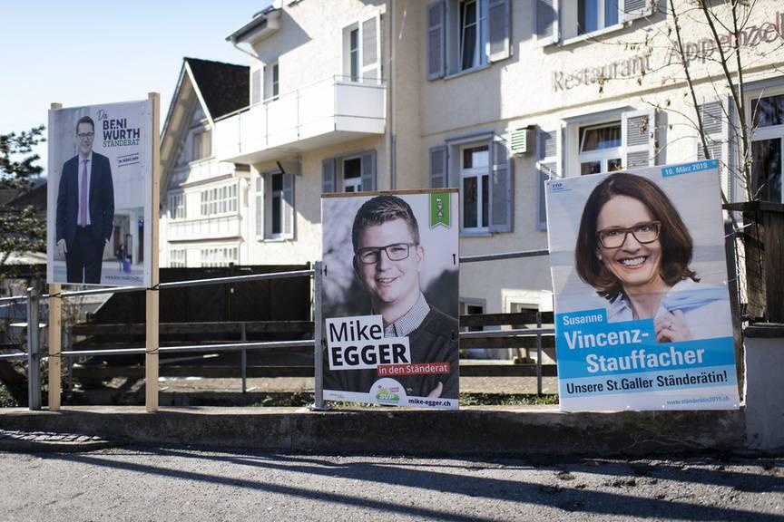 Überall sind Wahlplakate von Kandidaten und Kandidatinnen aufgehängt. (Bild: Keystone/Gian Ehrenzeller)
