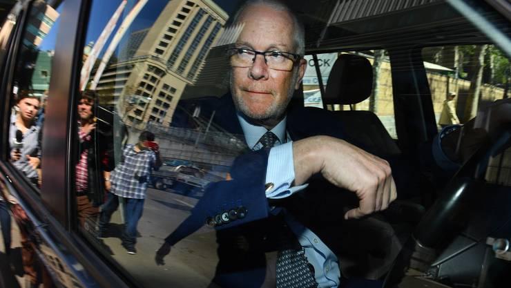Der australischer Senderchef Justin Milne tritt nach der E-Mail-Affäre zurück.