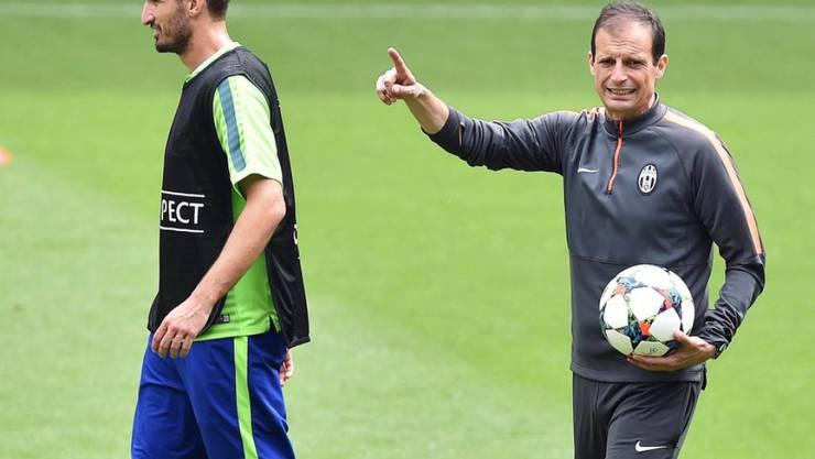 Massimiliano Allegri (rechts) gibt bei Juventus weiter die Richtung vor