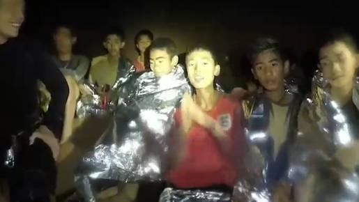 Gerettete Thai-Buben geben Interviews – Raiffeisen-Chef Gisel geht – Trumps Versprecher