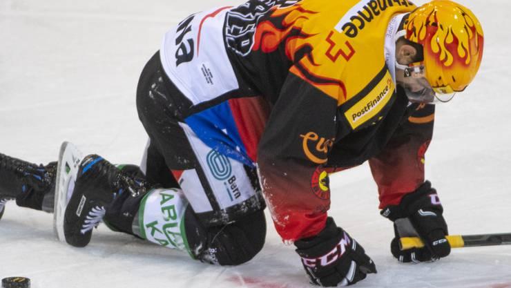 Schweizer Meister am Boden: PostFinance-Topskorer Mark Arcobello verlor mit dem SC Bern auch zuhause gegen Davos