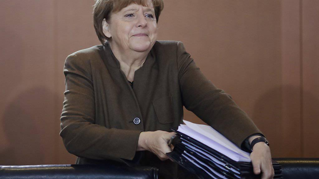 Für Deutschlands Bundeskanzlerin Angela Merkel war die Absage des Fussballspiels die richtige Entscheidung.