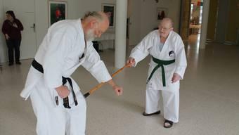 Markus Steg (rechts) gibt im Kampf gegen seinen Trainer Klaus-Thomas Hildesheim alles.