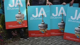 Die SP wirbt offensiv mit Plakaten für ihre Initiative.