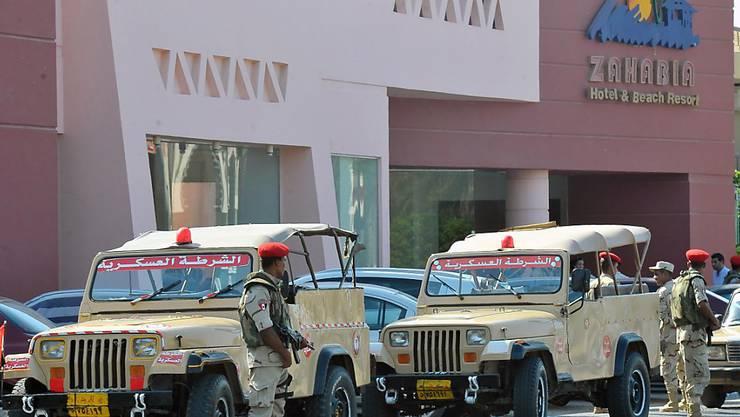 Nach der Messerattacke wurden die betroffenen Hotelanlagen in Hurghada vom Militär bewacht.