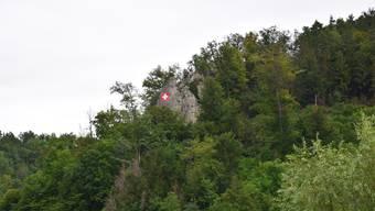 Schweizerflagge am Liestaler Hausberg