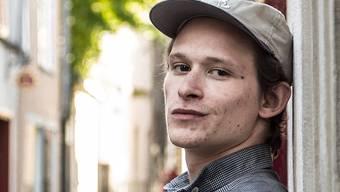 «Alles, was ich gerade trage, ist von mir»: Joel Basman, hier in der Altstadt von Zürich, ist nicht nur ein gefragter Filmschauspieler, sondern auch Modedesigner.