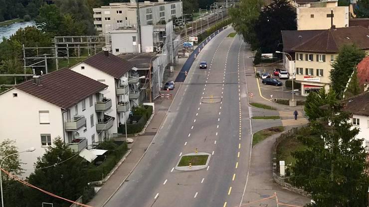 An der Zürcherstrasse in Dietikon wurden am 9. September die Bäume in den Strasseninsel gefällt. Ab 13. September führt hier der Grosskreisel Ost in Richtung Zentrum durch.