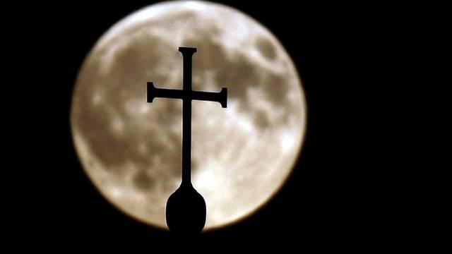 Sexueller Missbrauch - ein dunkles Kapitel der katholischen Kirche (Symbolbild)