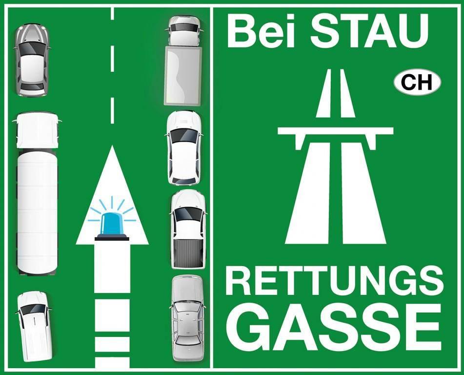 Sticker für das richtige Bilden einer Rettungsgasse (© Helfen helfen 2017)