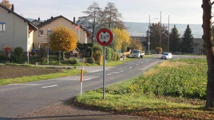 Die Altreustrasse, heute Kantonsstrasse, soll umgebaut und danach von der Gemeinde übernommen werden.
