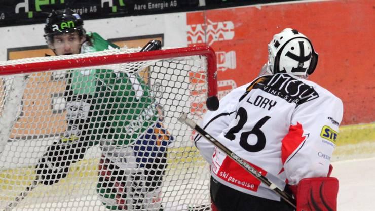 Der Oltner Diego Schwarzenbach verwandelt den Penalty zum 2:1. hra