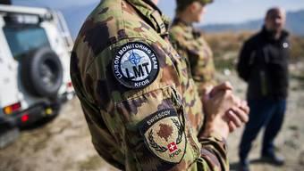 Der Bundesrat beantragt dem Parlament eine weitere Verlängerung des Swisscoy-Einsatzes in Kosovo. Ausserdem soll der Bestand der Swisscoy wieder aufgestockt werden. (Themenbild)