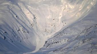 In dieser Berglandschaft ging die Lawine nieder und verschüttete die Wintersport-Touristen