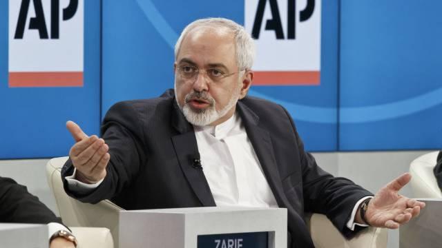 Der iranische Aussenminister Sarif diskutiert am WEF in Davos