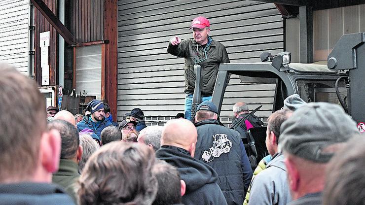 Liquidator Jakob Aeschlimann versteigert die Fahrzeuge.