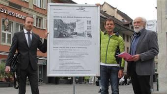 Denkmalpfleger Heiko Dobler, Buono-Geschäftsführer Christian Meier und Jürg Dietiker (v. l.) von der Arbeitsgruppe Altstadt hoffen auf rege Beteiligung am Workshop.