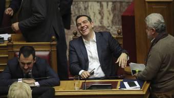 Alexis Tsipras am Mittwochabend im Parlament - er gewann die Vertrauensabstimmung.