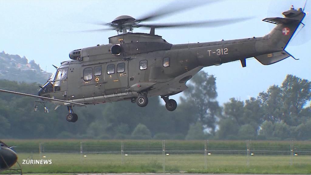 Schweizer Armee schickt drei Super Pumas für Löscheinsatz nach Griechenland