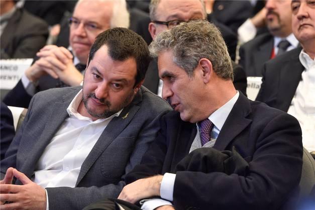 Italiens Ex-Innenminister Matteo Salvini (links) entdeckte Marcello Foa, weil er dessen Kolumnen regelmässig las. Bild: Paolo Tre/Laif (Rom, 31. Januar 2019)
