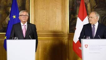 EU-Kommissionspräsident Jean-Claude Juncker und Bundespräsident Johann Schneider-Ammann äussern sich nach ihrem Treffen vor den Medien.