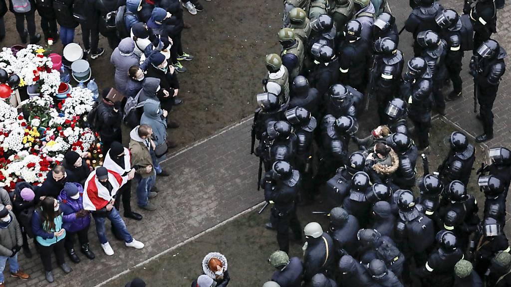 Baltenstaaten fordern Ende der Gewalt in Belarus