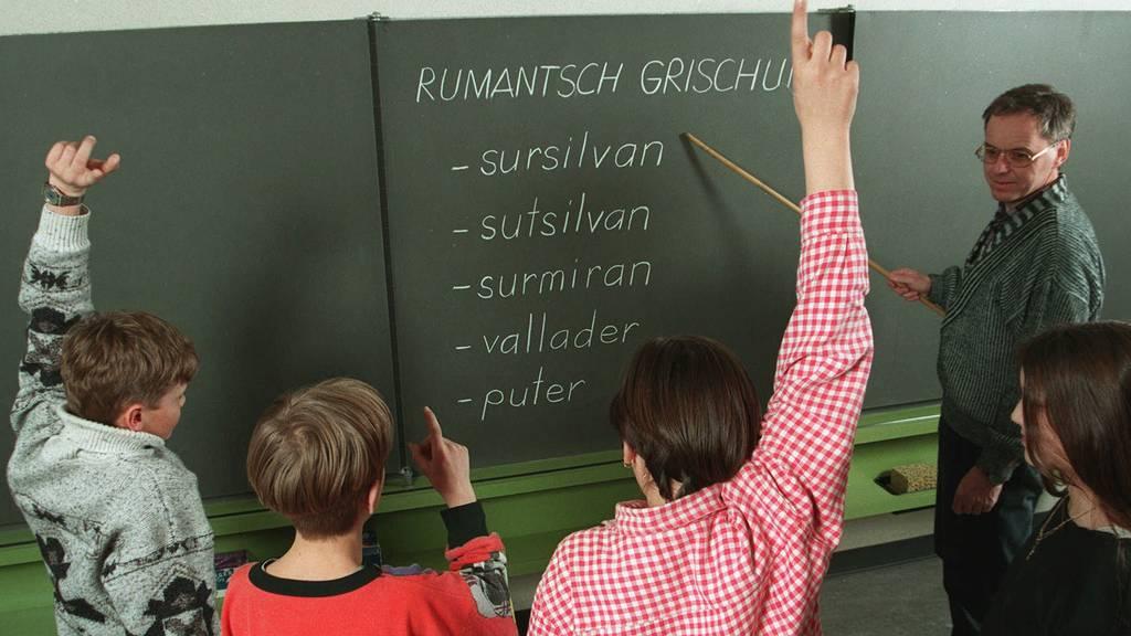 Rätoromanisch ist nicht gleich Rätoromanisch. Die Sprache ist in verschiedene Idiome aufgeteilt. (Archiv)