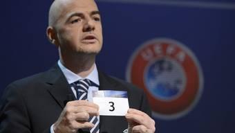 UEFA-General-Sekretär Gianni Infantino während der Ziehung.
