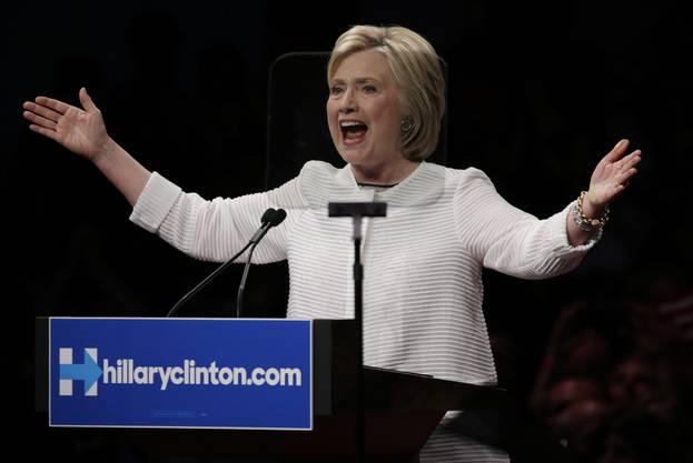 «Es ist das erste Mal in der Geschichte unseres Landes, dass eine Frau die Kandidatin einer grossen Partei sein wird», sagte sie.